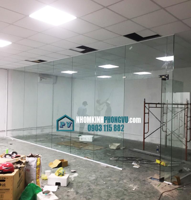 xưởng làm cửa kính vách kính cường lực tại phường tân tạo quận bình tân tphcm