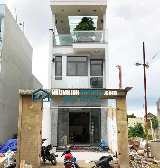 Công trình lắp đặt cửa, vách nhôm kính tại nhà anh Biên, tại KDC sông Hồng, Hiệp Bình Phước, Thủ Đức
