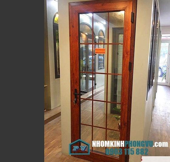 Mẫu cửa nhôm xingfa 1 cánh mở quay màu vân gỗ