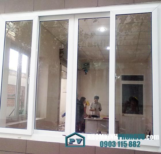 Mẫu cửa sổ khung nhôm kính cường lực 4 cánh lùa trượt