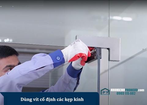 [BẬT MÍ] cách lắp đặt cửa kính cường lực an toàn, giảm nhiều chi phí.