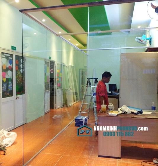 Lắp đặt vách kính cường lực ngăn phòng làm việc tại đường Phạm Văn Đồng, Phường hiệp Bình Chánh, Thủ Đức, TPHCM