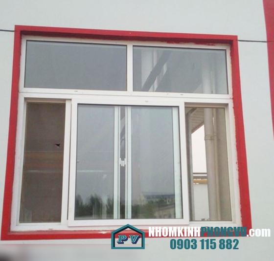Mẫu cửa sổ nhôm kính cường lực 8 mm mở trượt